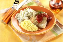 Seelachsfilet mit Tomatensauce, Fenchel à la creme und Kartoffelbrei